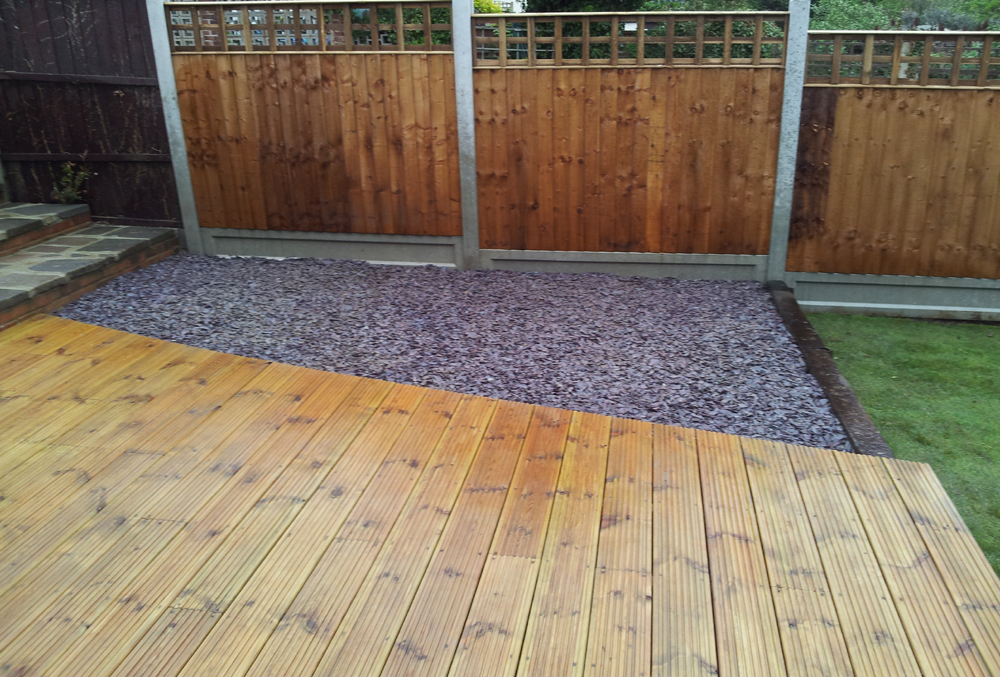 Crown landscape gardeners based in romford essex the for Alternative to decking